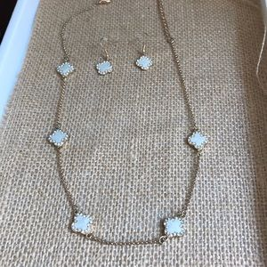Clover necklace and earrings set